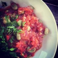 Лимская фасоль или «масляные бобы» с томатным соусом