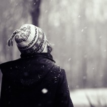 Girl-Looking-At-Falling-Snow-1920x1408