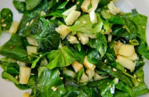 Салат из шпината и фенхеля