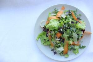 Летний овощной салат фото