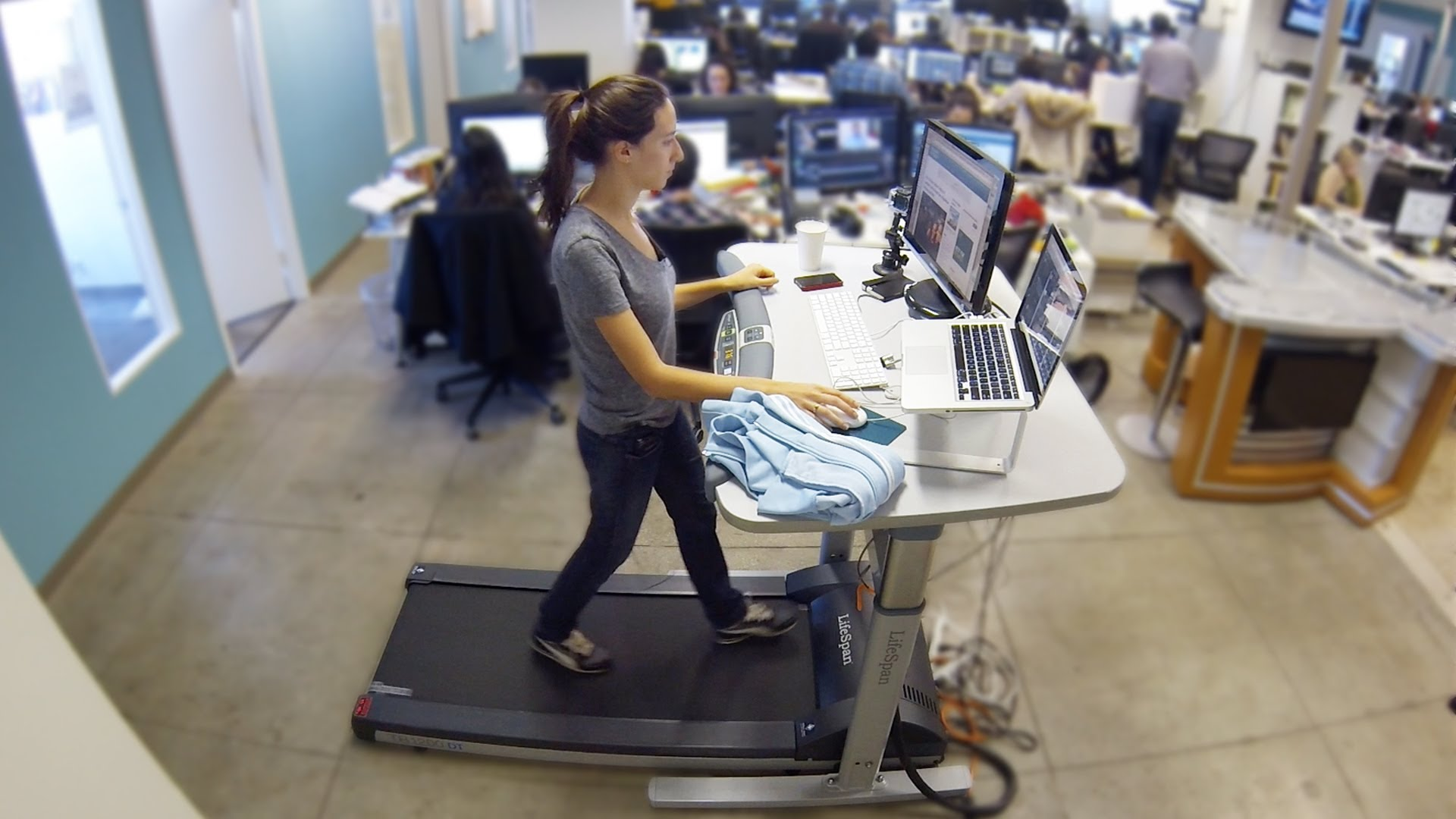 6 способов оставаться активным, работая в офисе полный день .