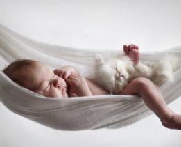 sleeping-baby-swim