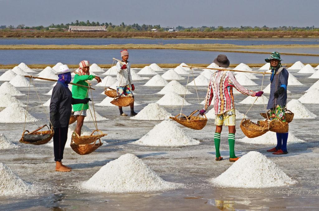 Salt_Farmers_-_Pak_Thale-edit1