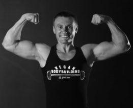 Vegan-athlete-Robert-Cheeke-800x718 2
